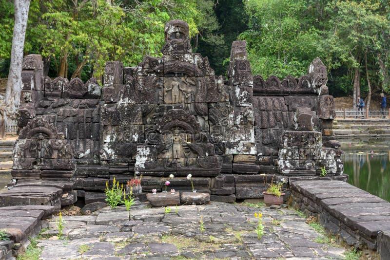 Widok wyspa świątynny Preah Neak Poan przy Angkor obrazy stock