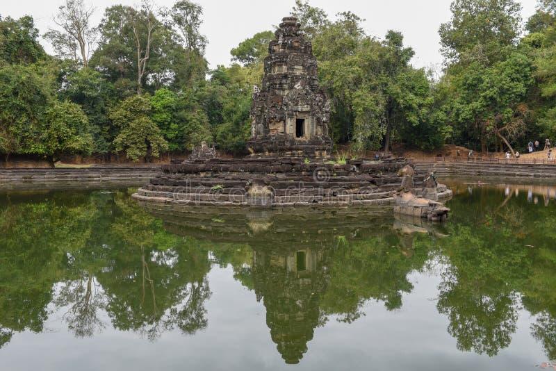 Widok wyspa świątynny Preah Neak Poan przy Angkor obraz stock