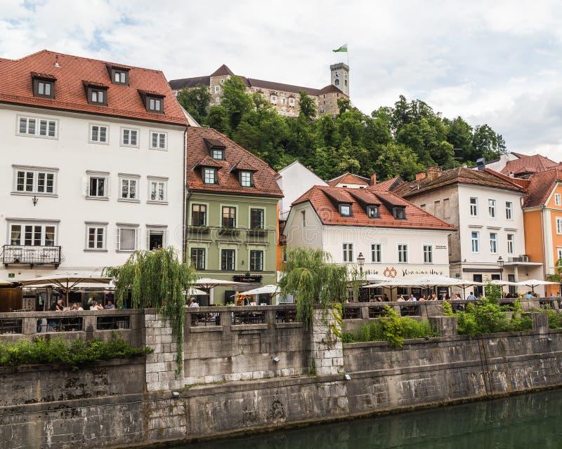 Widok wzdłuż Ljubljana rzeki zdjęcie stock