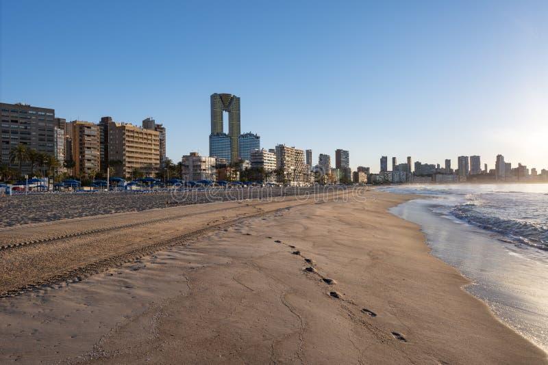Widok wzdłuż Playa De Poniente plaży w wiośnie zdjęcia royalty free