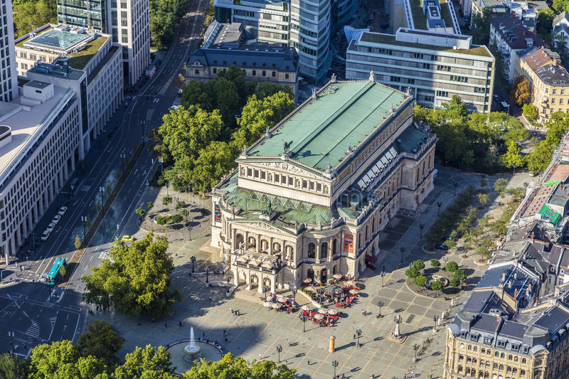 Widok z lotu ptaka: alte Oper w Frankfurt, (Stara opera) obraz royalty free