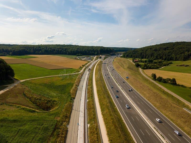 Widok z lotu ptaka autostrada A8 na swabian alp obrazy royalty free
