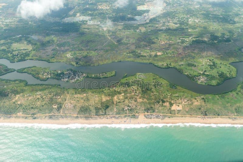 Widok z lotu ptaka brzeg Cotonou, Benin obrazy stock