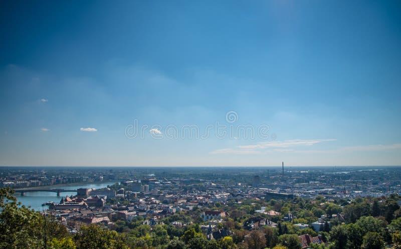 Widok z lotu ptaka Budapest od Gellert wzgórza fotografia stock