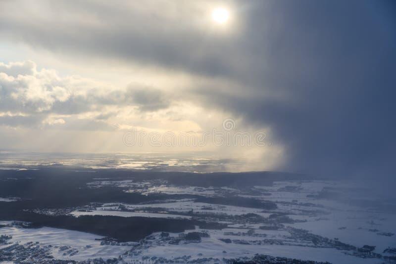 Widok z lotu ptaka burzowe chmury zdjęcia royalty free