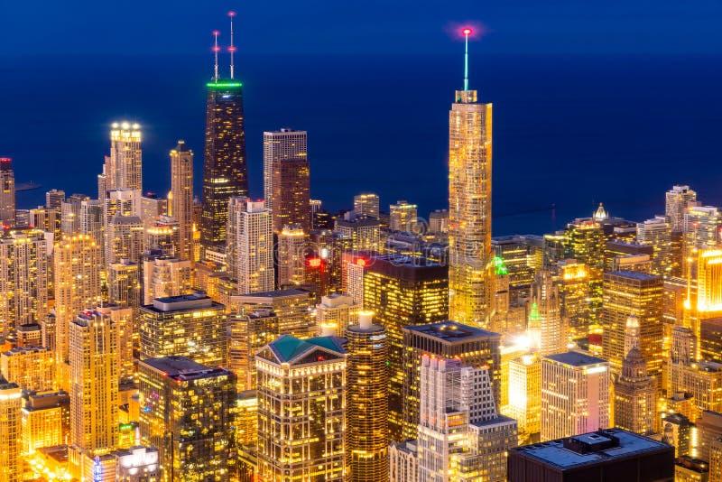widok z lotu ptaka Chicagowska linia horyzontu noc obraz royalty free