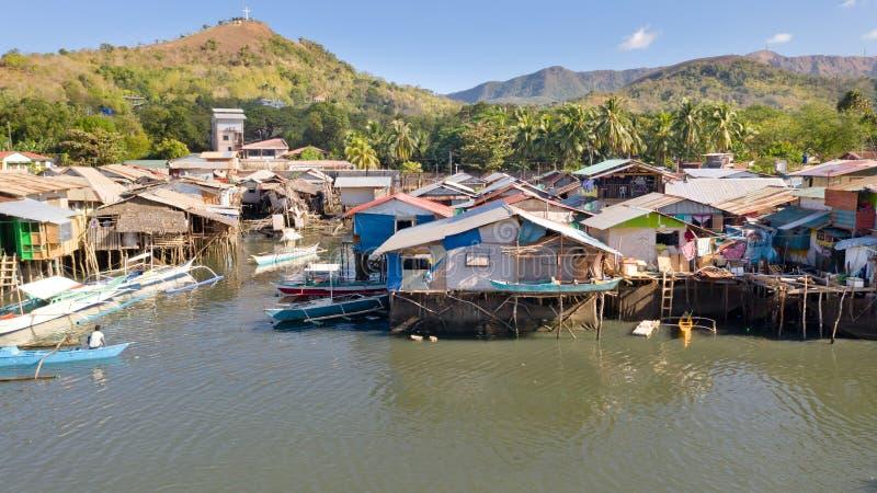 Widok z lotu ptaka Coron miasto z slamsami i biednym okr?giem PALAWAN zdjęcie stock