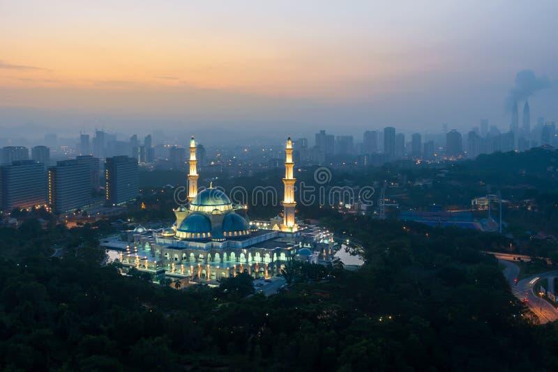Widok z lotu ptaka Federacyjnego terytorium meczet podczas wschodu słońca federalizm zdjęcia stock
