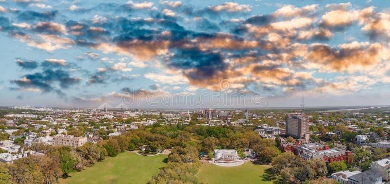 Widok z lotu ptaka Forsyth park w sawannie, Gruzja fotografia royalty free