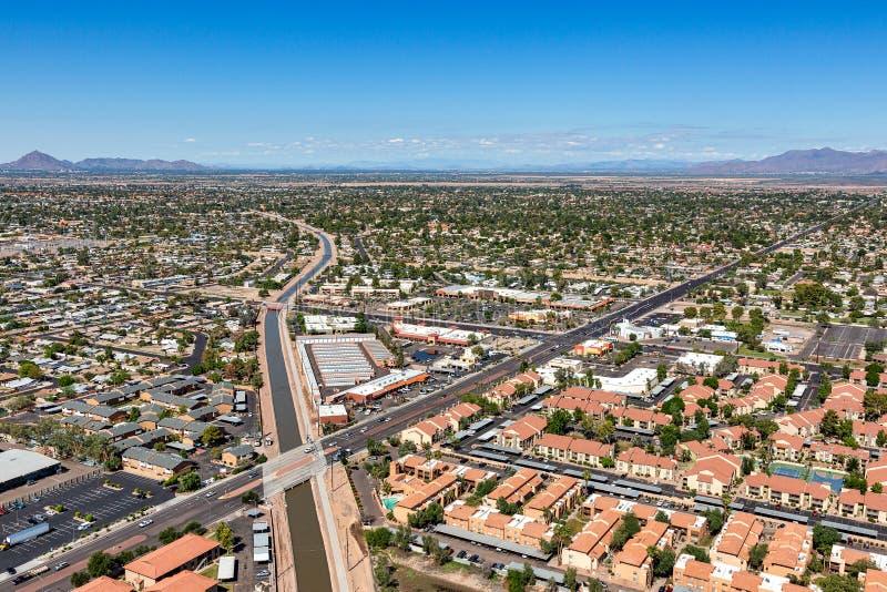 Widok z lotu ptaka z góry konsolidujący kanał w mesach, Arizona zdjęcie stock