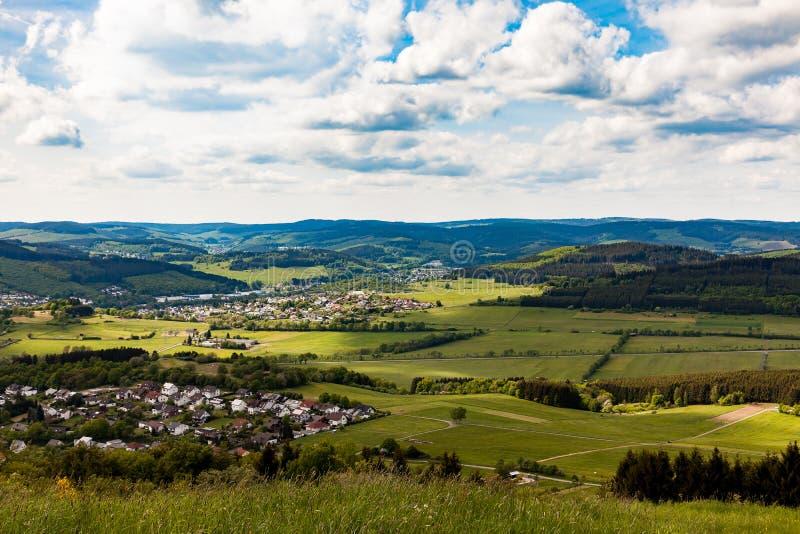 Widok z lotu ptaka Hirzenhain i Eiershausen dwa wioski blisko Dillenburg fotografia stock