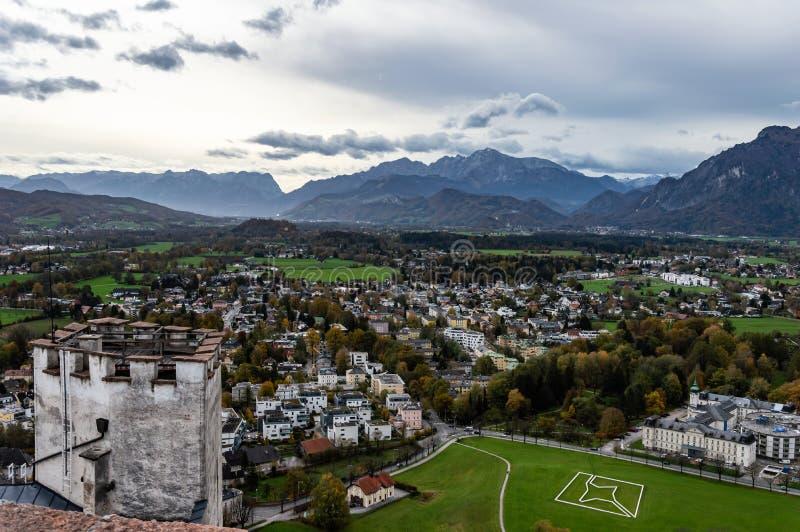 Widok z lotu ptaka historyczny miasto Salzburg, Austria obraz royalty free