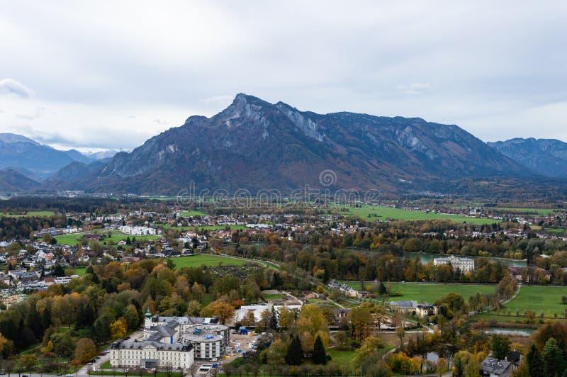 Widok z lotu ptaka historyczny miasto Salzburg, Austria obrazy royalty free