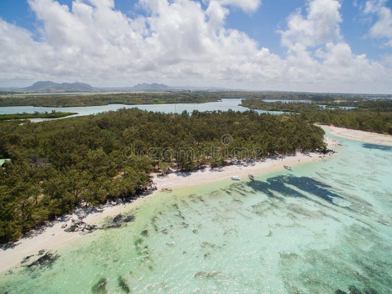 Widok Z Lotu Ptaka: Ile aux Cerfs - czas wolny wyspa zdjęcia royalty free