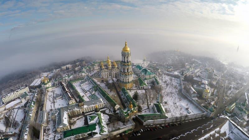Widok z lotu ptaka Kijów Lavra w zimie obrazy royalty free