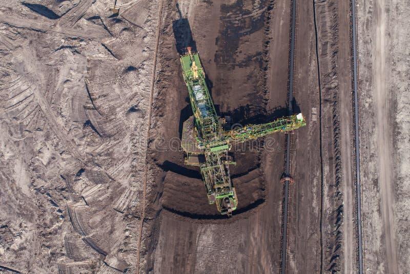 Download Widok Z Lotu Ptaka Kopalnia Węgla Zdjęcie Stock - Obraz złożonej z maszyneria, kopalina: 57651240