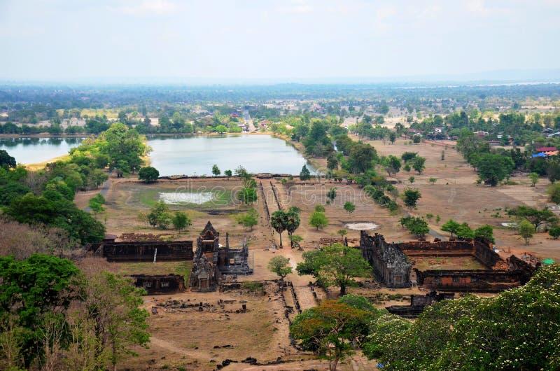 Widok z lotu ptaka krajobraz archeologiczny miejsce Wat Phu lub bednia Phou zdjęcie stock