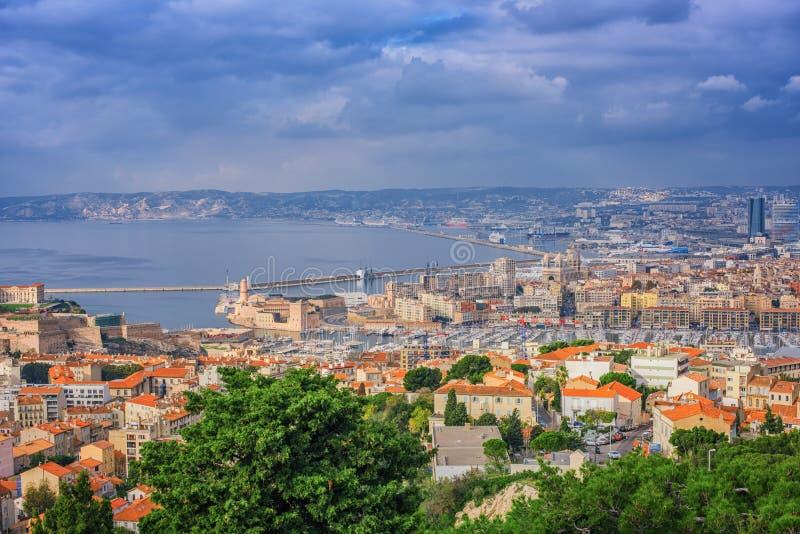Widok Z Lotu Ptaka Marseille miasto i swój schronienie, Francja zdjęcia royalty free