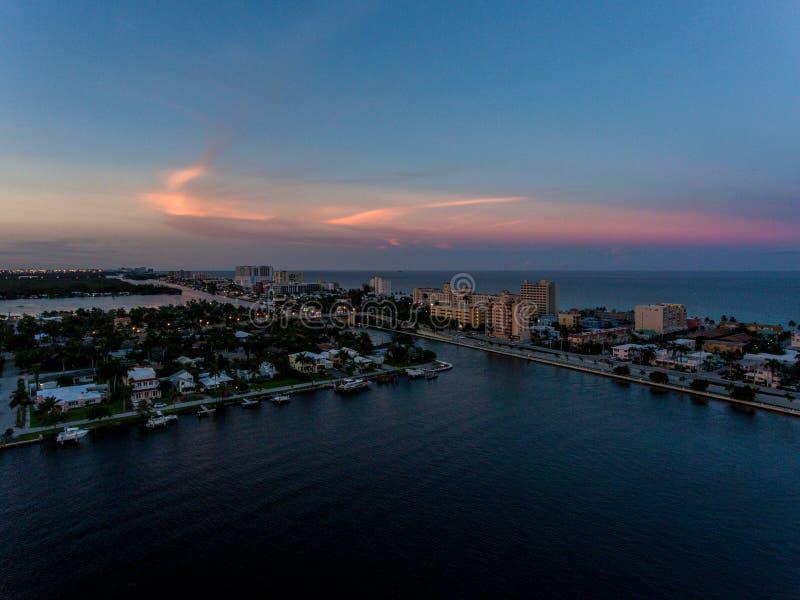 Widok z lotu ptaka Miami Hollywood z hotelami i mieszkaniami zdjęcie stock