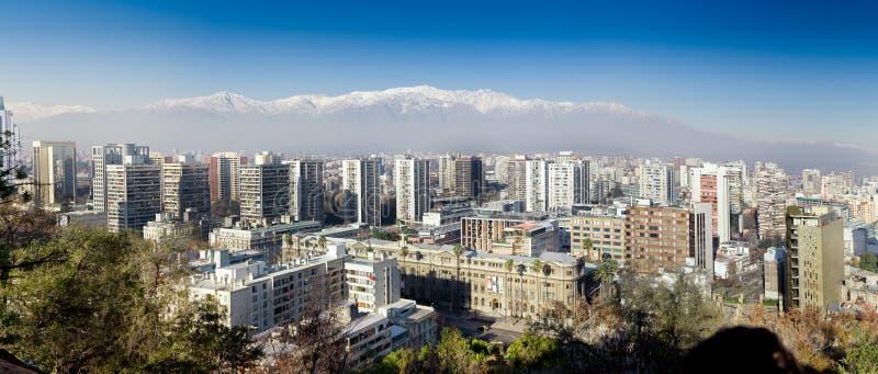 Download Widok Z Lotu Ptaka Miasto I Andes Halni W Tle, Obraz Stock Editorial - Obraz złożonej z lokacja, wierza: 41954944