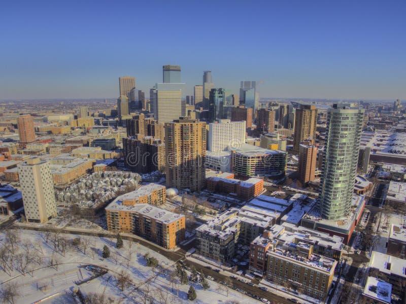 Widok z lotu ptaka Minneapolis linia horyzontu podczas zimy obrazy royalty free