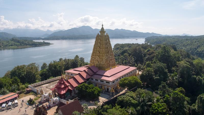 Widok z lotu ptaka Mon most przy Sangkhlaburi Kanchanaburi Tajlandia obrazy royalty free