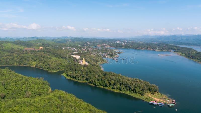Widok z lotu ptaka Mon most przy Sangkhlaburi Kanchanaburi Tajlandia obrazy stock