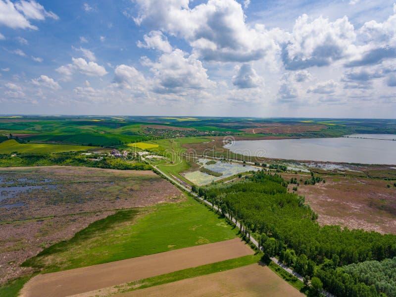 Widok z lotu ptaka monaster i Danube rzeka Dobrogea, Dervent, zdjęcie stock