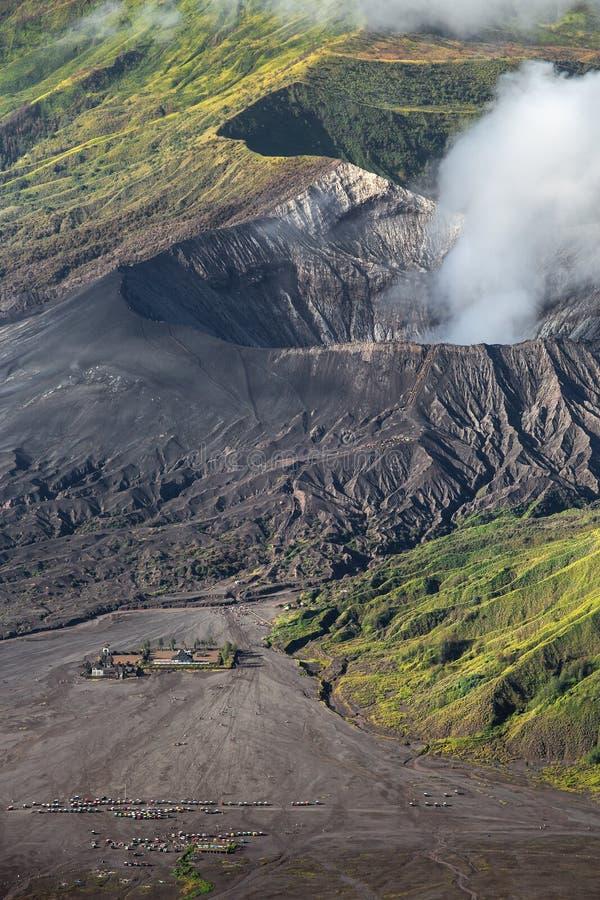 Widok z lotu ptaka morze piasek wśrodku Bromo Tengger kaldery obraz stock