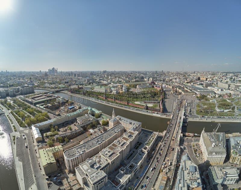 Widok Z Lotu Ptaka na Moskwa placu czerwonym, Kremlin góruje, Zegarowy Kuranti, Świątobliwego basila Katedralny kościół moscow pl zdjęcia royalty free
