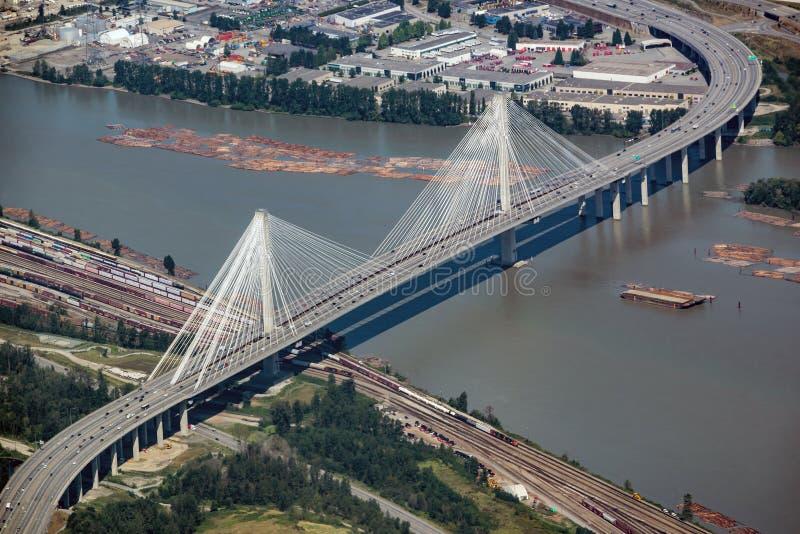 Widok z lotu ptaka na mostek Port Mann w Coquitlam niedaleko Vancouver BC Kanada zdjęcia royalty free
