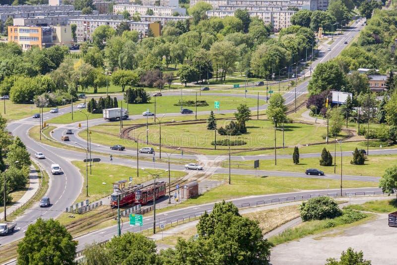 Widok z lotu ptaka na ruchu drogowego okręgu - Bedzin, Polska obraz stock