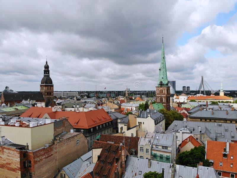 Widok z lotu ptaka na wielkim baltic mieście Ryskim z góry Kapitał Latvia Jeden autentic i piękny miasto w Europa fotografia royalty free