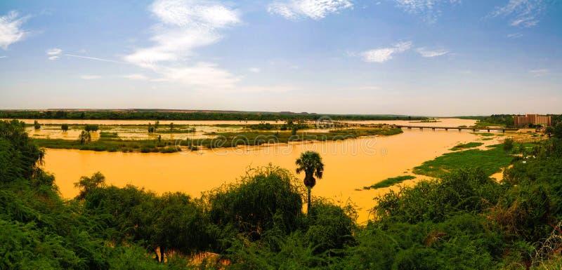 Widok z lotu ptaka Niger rzeka w Niamey Niger obraz stock