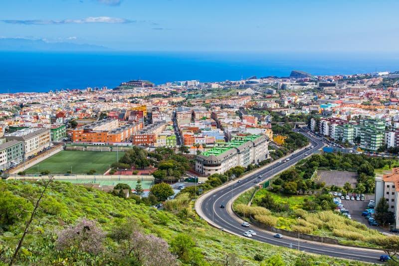 Widok z lotu ptaka obszar zamieszkały miasteczko na Tenerife, Może fotografia stock