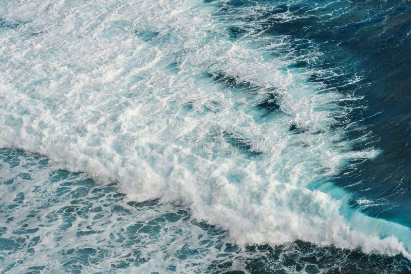 Widok z lotu ptaka ocean fala obraz stock