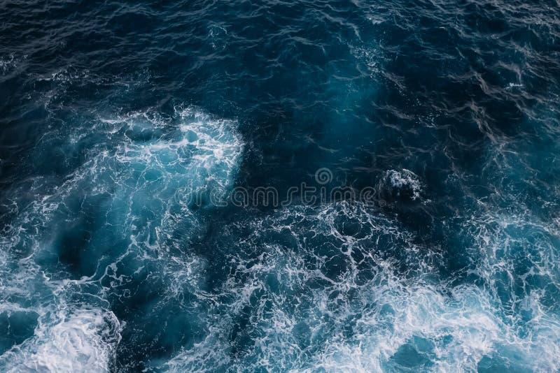 Widok z lotu ptaka ocean fala tła koloru ilustraci wzoru bezszwowa wektoru woda obrazy stock