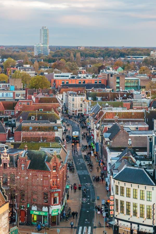 Widok z lotu ptaka Oosterstraat zakupy ulica z sklepami i s obraz stock