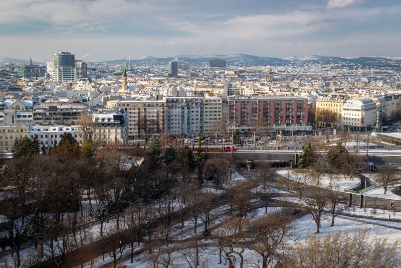 Widok z lotu ptaka pejzaż miejski Wiedeń - kapitał Austria na zimnym zima dniu obraz royalty free