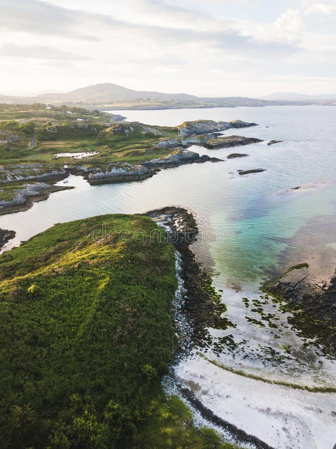 Widok z lotu ptaka piękni kamieniści pola zdjęcia royalty free