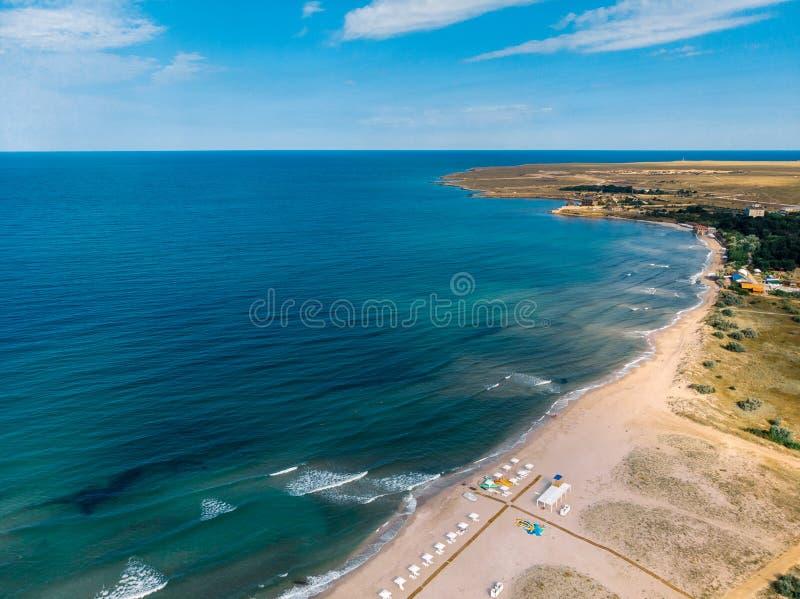 Widok z lotu ptaka piaskowata zatoka i morze crimea obraz stock