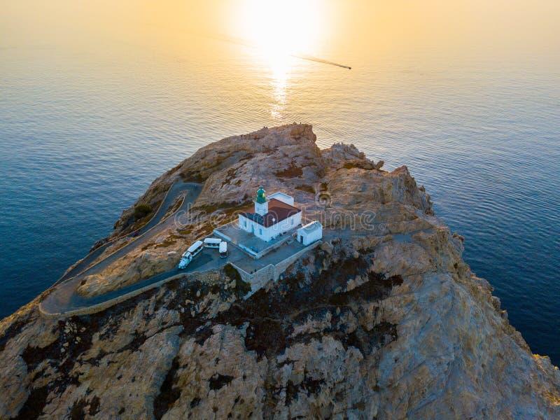 Widok z lotu ptaka Pietra latarnia morska i Genueński wierza przy zmierzchem Czerwona wyspa, Corsica, Francja zdjęcia stock