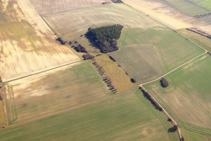 Widok z lotu ptaka pola w zimie Rolniczy krajobraz w saxony, Niemcy obraz royalty free