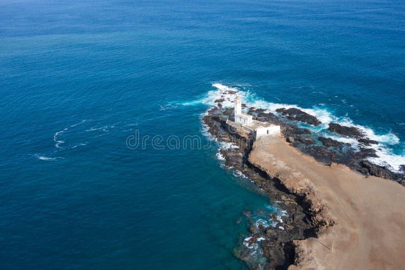 Widok z lotu ptaka Ponta Temerosa latarni morskiej farol w mieście Pr fotografia royalty free