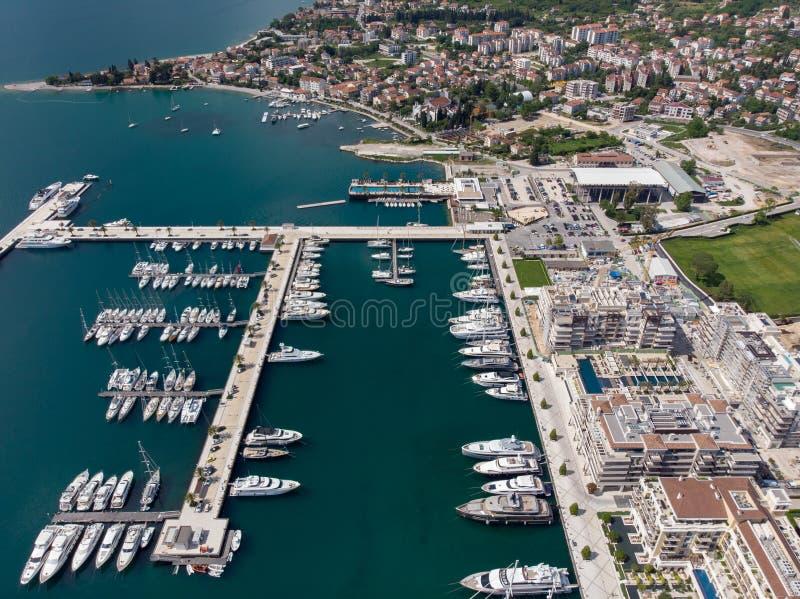 Widok z lotu ptaka Porto Montenegro Jachty w porcie morskim Tivat miasto Kotor zatoka, Adriatycki morze s?awna miejsce przeznacze obraz royalty free