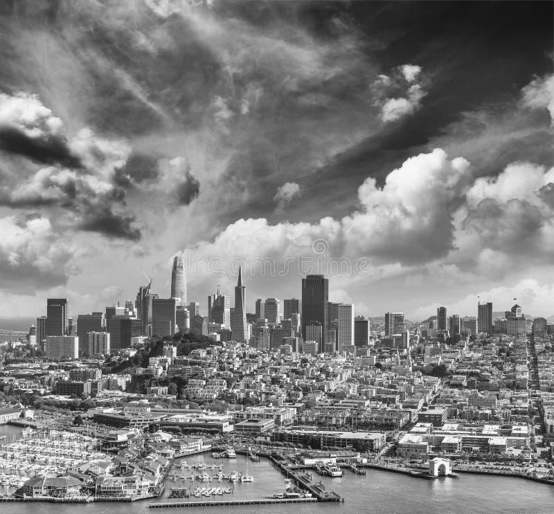 Widok z lotu ptaka San Fransisco linia horyzontu 39 na pięknym i molo obrazy royalty free