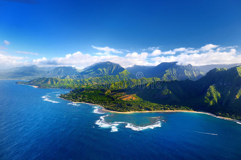 Widok z lotu ptaka spektakularny Na Pali wybrzeże, Kauai zdjęcie royalty free