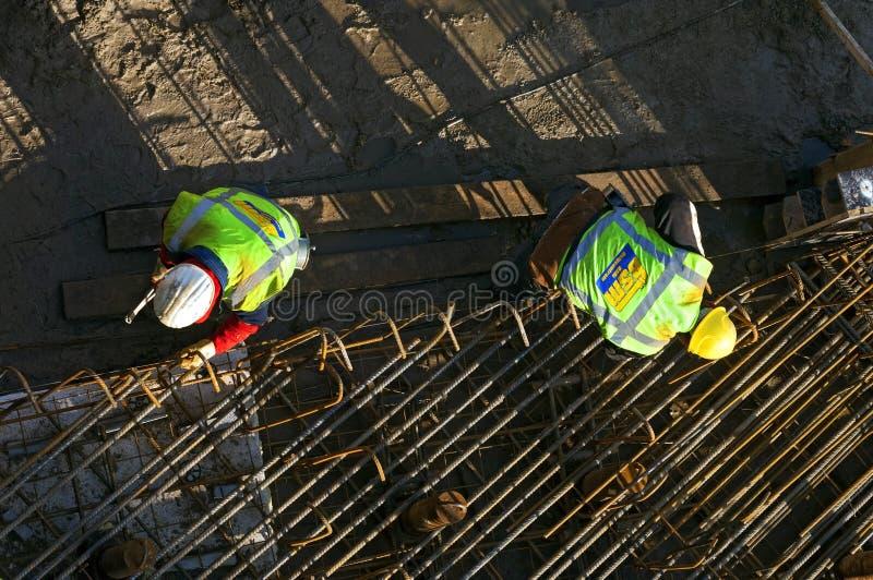 Widok z lotu ptaka stalowi pracownicy przy pracą zdjęcie royalty free