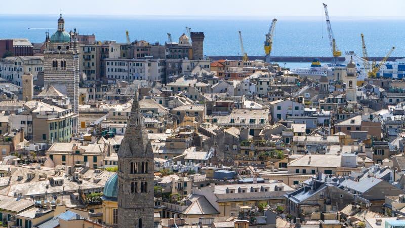 Widok z lotu ptaka stara grodzka genua Genova linia horyzontu, W?ochy zdjęcia royalty free