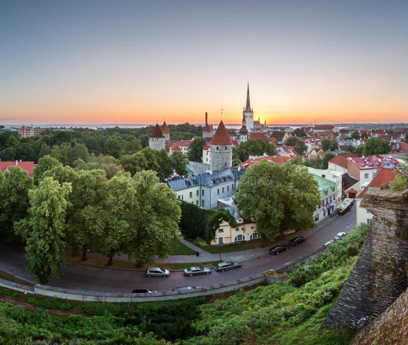 Widok Z Lotu Ptaka Tallinn Stary miasteczko od Toompea wzgórza przy świtem fotografia royalty free